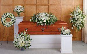 Arreglo fúnebre blanco