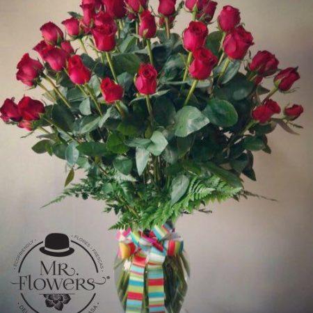 Jarrón con 50 Rosas Premium