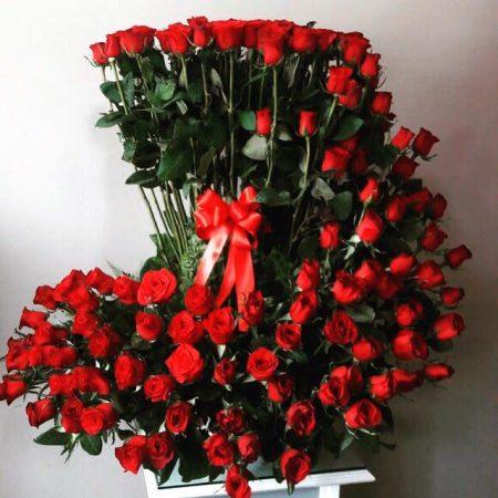 150 rosas rojas en espiral