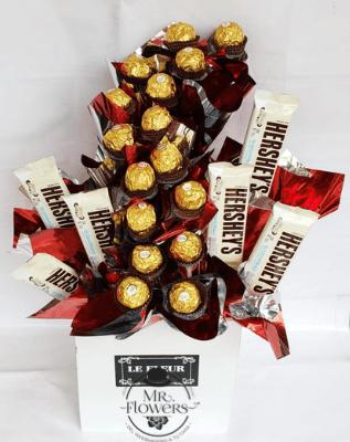 Caja con Ferrero y Hersheys Blancos